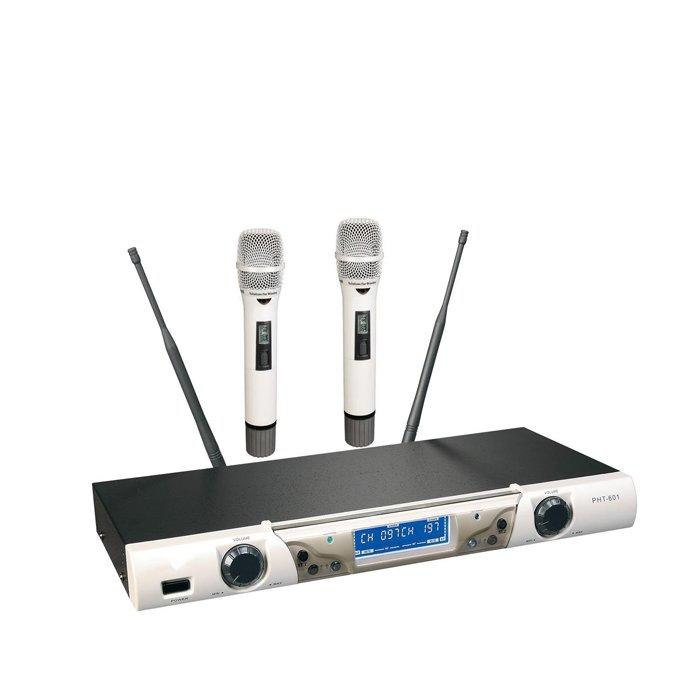 UF888 Wireless Microphone